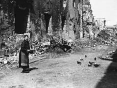 Varsova vuonna 1945.